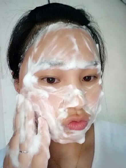 洗臉用香皂和洗面奶哪個好?很多人不知道,香皂洗臉好皮膚看得見 - 每日頭條