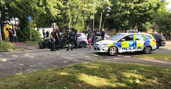 High speed police chase in Wythenshawe ends in crash ...