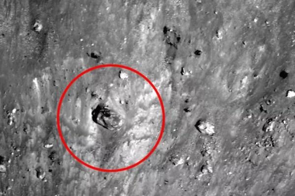 UFO hunters spot 'ancient tank among ruins' on moon - AOL ...