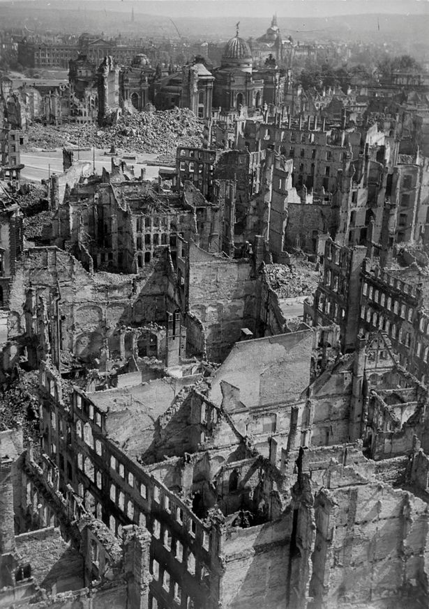 A general view of Dreden shows debris at New Market square, the Great Church lane and King John / Moritz street in 1946