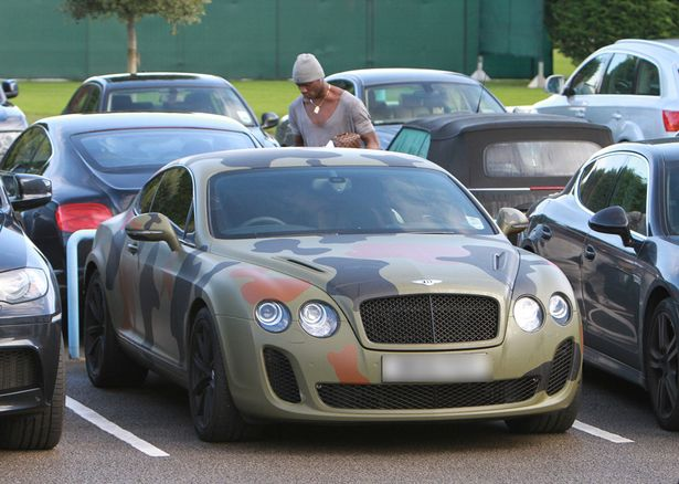 https://i1.wp.com/i1.mirror.co.uk/incoming/article5272684.ece/ALTERNATES/s615b/Mario-Balotelli-Camouflage-Car.jpg?w=620