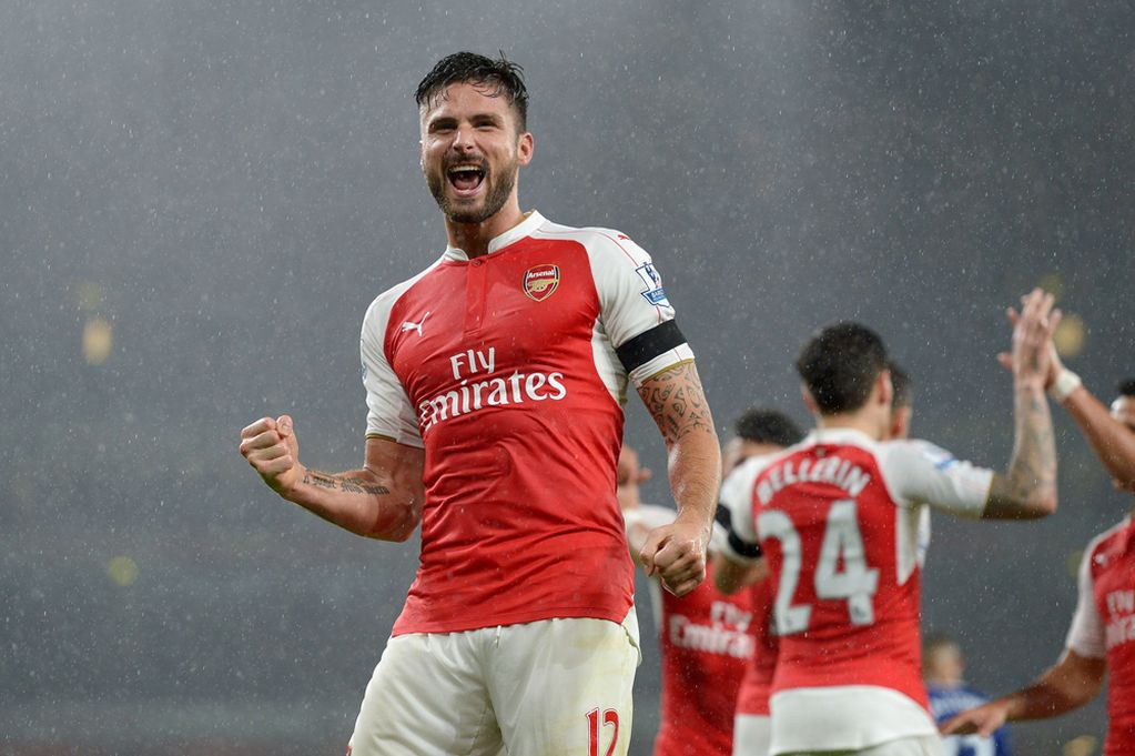 Arsenal's Olivier Giroud celebrates scoring his side's first goal