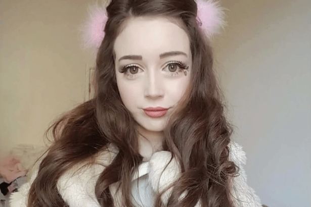 https://i1.wp.com/i1.mirror.co.uk/incoming/article7343141.ece/ALTERNATES/s615b/Meet-The-British-Human-Barbie-Who-Says-Her-Living-Doll-Looks-Are-Ruining-Her-Love-Life.png?w=620