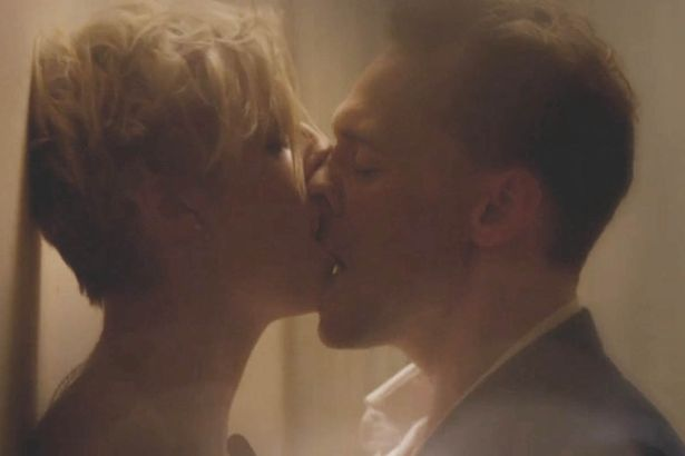 Sex scene in The Night Manager