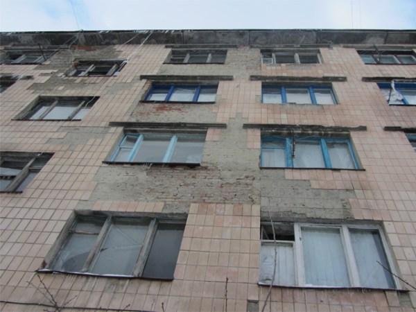 Гуртожиток на Шевченка, 11 у Полтаві — рай для комарів та ...