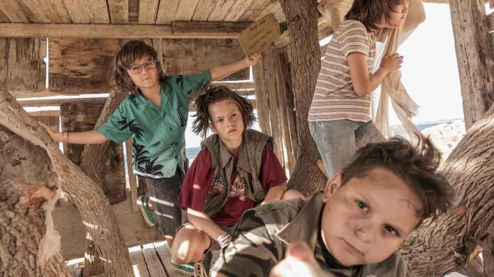 MEGA: «Κομάντα και Δράκοι»: Ξεκίνησαν τα γυρίσματα της νέας σειράς του  Θοδωρή Παπαδουλάκη - Δείτε φωτογραφίες