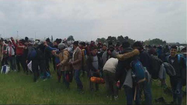 Νέα προσπάθεια προσφύγων να πάνε προς τα σύνορα - Voria.gr