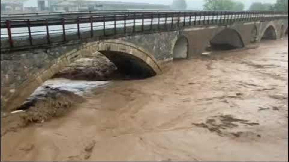ifarsala: Σε οριακό σημείο ο Ενιπέας ποταμός στα Φάρσαλα