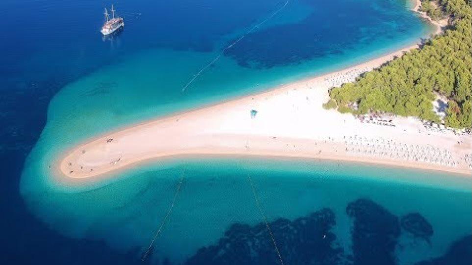 Zlatni Rat Beach, Brac Island, Croatia HD