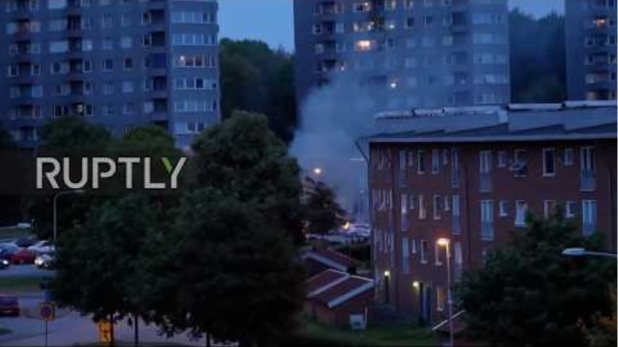 Sweden: 60 cars burn in youth gang arson attacks in Gothenburg