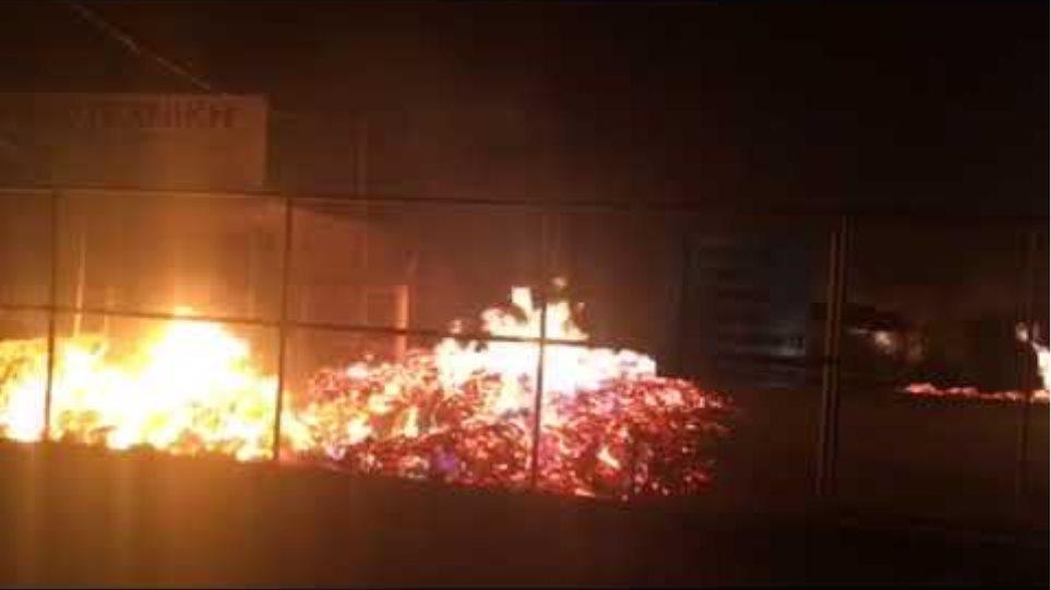 Βίντεο φωτιά σε σπίτι