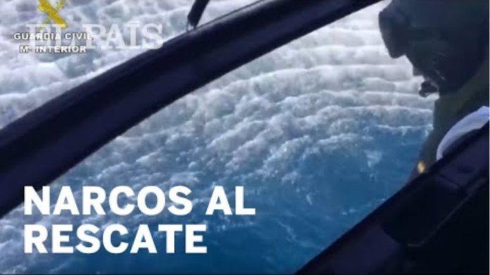 La Guardia Civil obliga a unos narcos a rescatar en el mar a tres agentes
