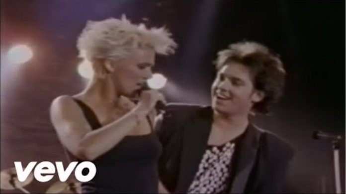 Roxette - Listen To Your Heart (Official Music Video)