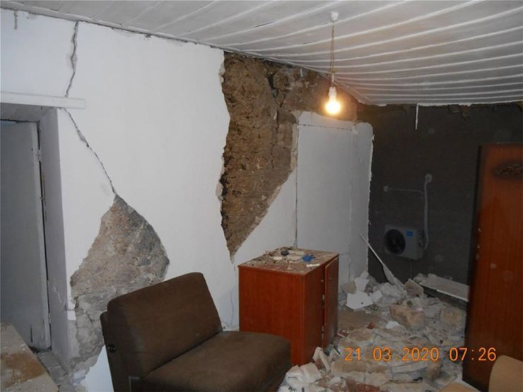 sismos-katedafisi-ktirio-maketa_9