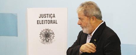Lula leva 25 segundos para votar em SP