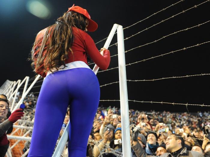 Bom, Larissa Riquelme pode ser paraguaia, mas que agradou as torcidas de toda a América, agradou!