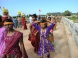 file-photo-taken-on-october-14-2013-shows-indian-hindu-pilgrims-crossing-a-bridge-where-a-deadly-stampede-took-place-the-previous-day-near-the-ratangarh-temple-in-the-datia-district-of-central-madhya