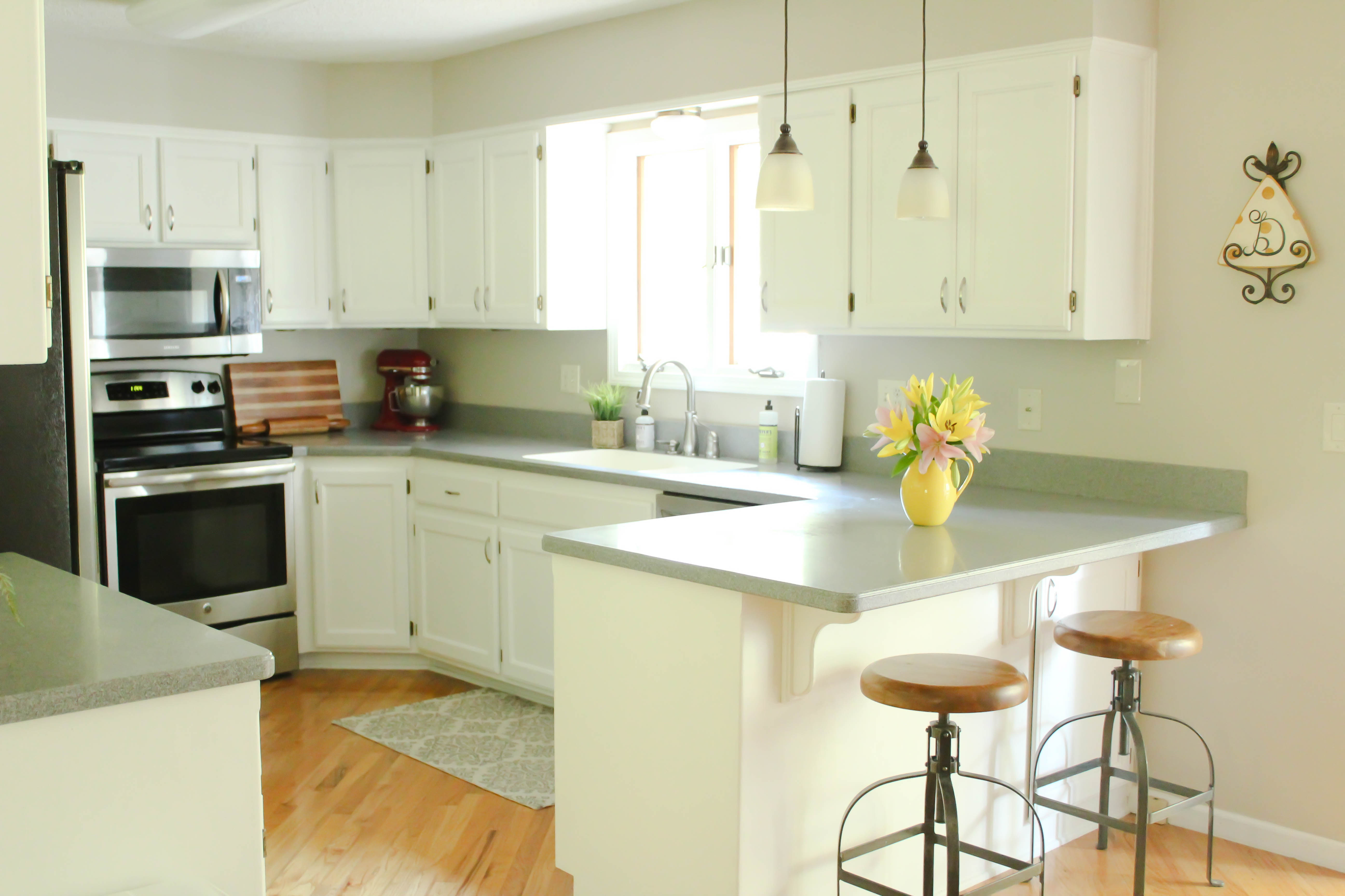 Chalk Painted Kitchen Cabinets From Honey Oak To White
