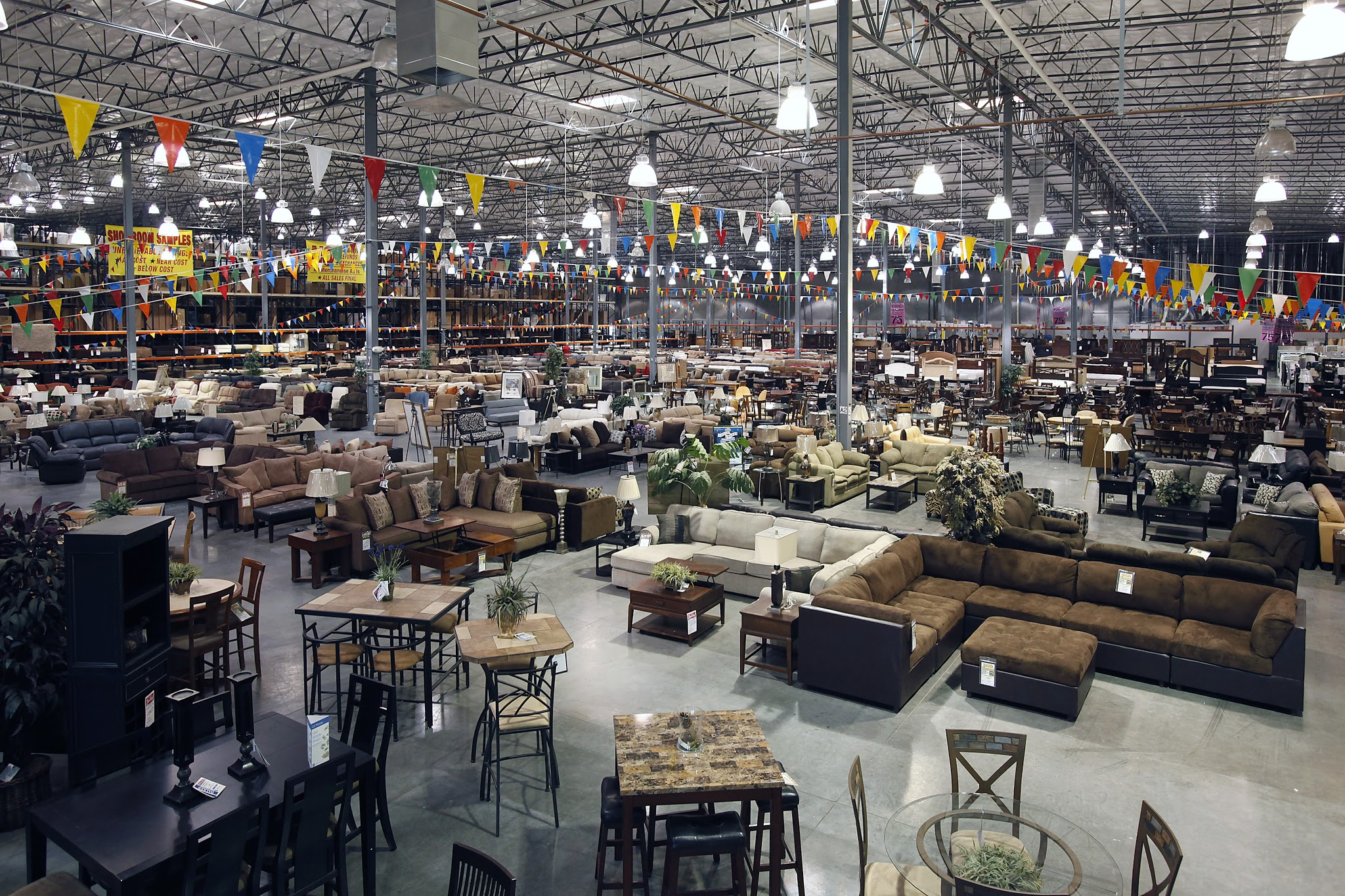 Walker Furniture Outlet Amp Clearance 4150 E Cheyenne Ave