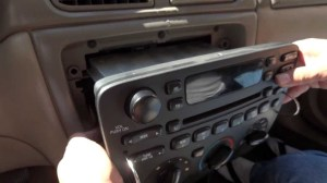 Quick Removal Ford Factory Stereo CD Player with Removal