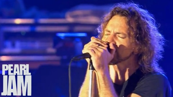 Alive - Immagine in Cornice - Pearl Jam - YouTube