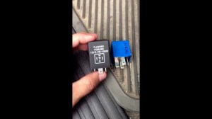 How to Change Ford Explorer 2002 Flasher Relay for Hyper