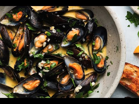 Steamed Mussels in White Wine and Lemon #shorts