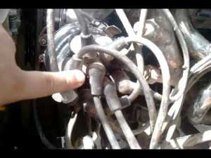 Distributor cap alignment n spark plug wire order  YouTube