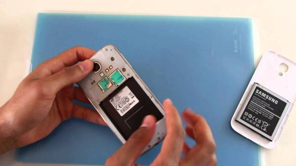 What Sim Card does the Samsung Galaxy S4 use? - YouTube