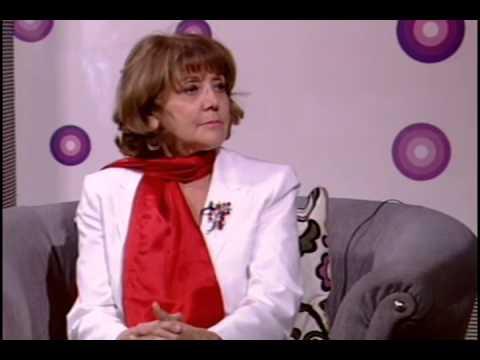 الأستاة الدكتورة نجوى خوري - هذا الصورة من مقابلة لها على التلفزيون الأردني - ثقة كبيرة تعكس مؤهلات أكبر... أكبر كتير
