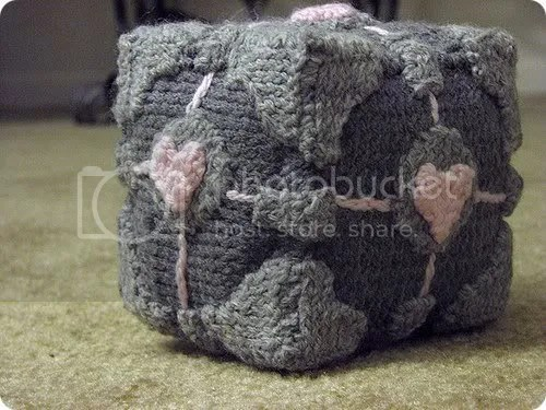 knit companion cube