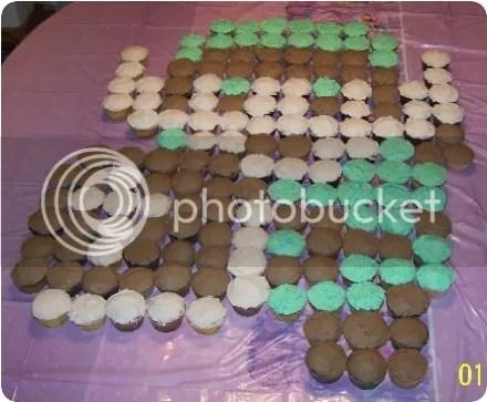 pixelated zelda cupcakes