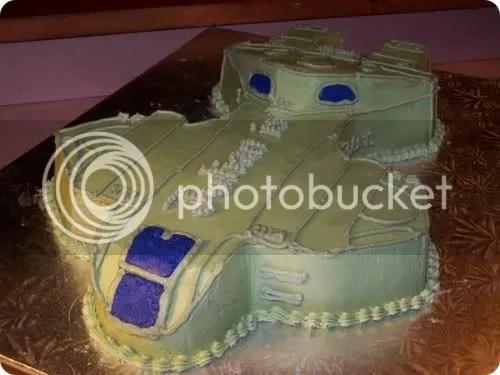 halo pelican mmm cake