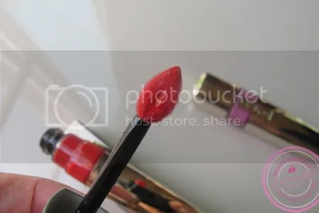 Swatch L'oreal Shine Caresse ลิปสติกแบบน้ำ Liquid Lipstick สีชัดๆ ค่ะ (2/4)