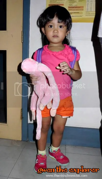 Diy halloween costumes from mommy bloggers mommy pehpot diy dora the explorer costume solutioingenieria Gallery