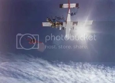 https://i1.wp.com/i1014.photobucket.com/albums/af266/haremountain/Parachutes%20are%20the%20key/jump2_border.jpg