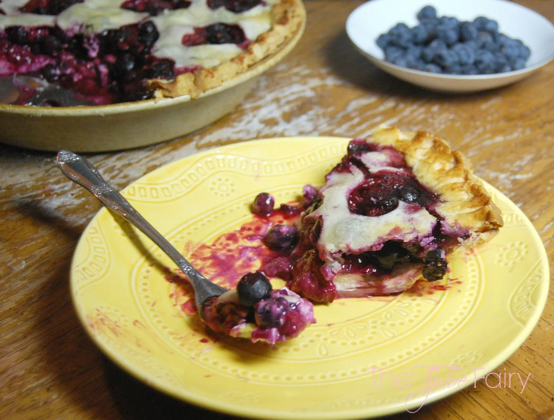Very Berry Cream Cheese Pie | The TipToe Fairy