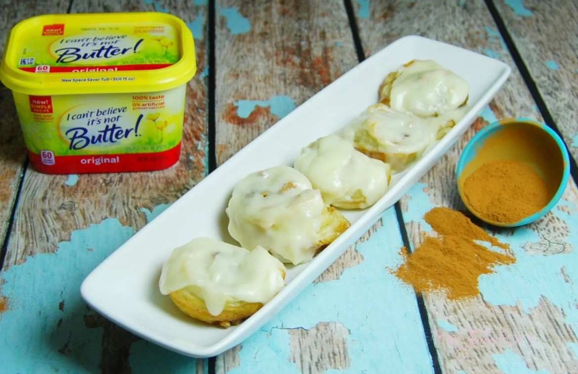 Puff Pastry Cinnamon Nut Rolls with I Can't Believe It's Not Butter!® spread.  Quick and easy cinnamon rolls in less than 30 minutes. Perfect for holiday and Christmas morning treats   The TipToeFairy #TimetoBelieve #CleverGirls #cinnamonrolls