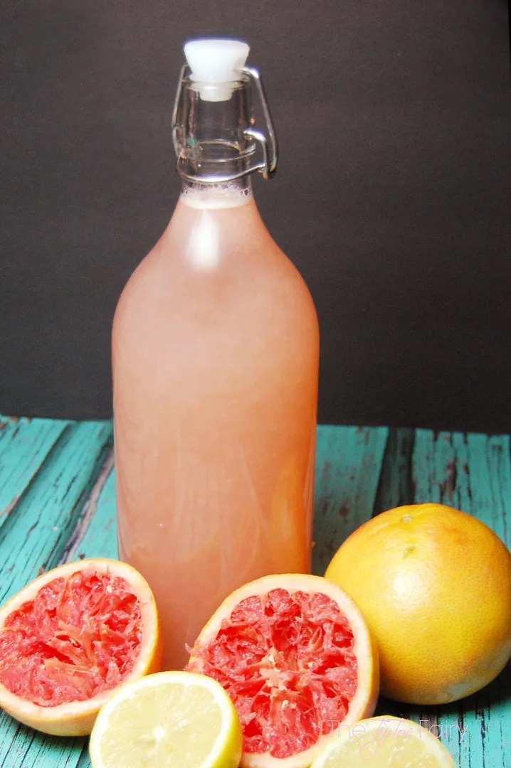 Texas Ruby Red Grapefruitade - a delicious drink made with sucralose to cut the sugar! Low sugar fruit drink perfect for parties and baby showers | The TipToe Fairy #drinkrecipe