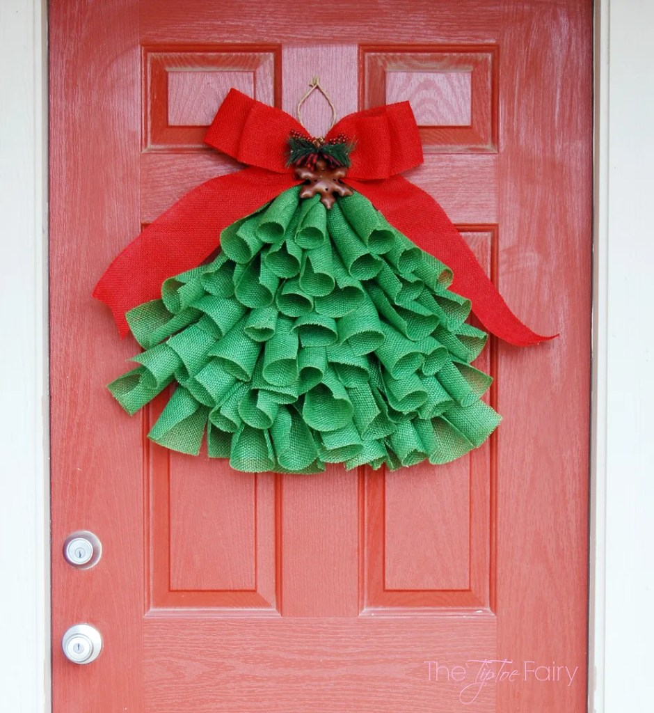 The ultimate list of 31 diy christmas ideas for Christmas wall decoration ideas