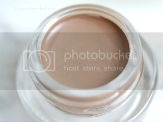 Top Shop Nude Eyes Cream Shadows in Naked.