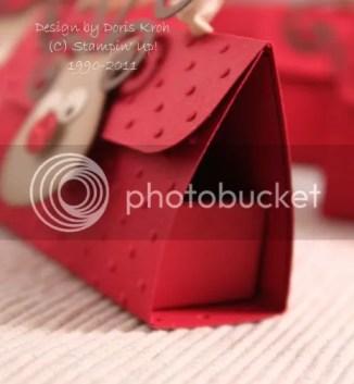 Box in der Tasche