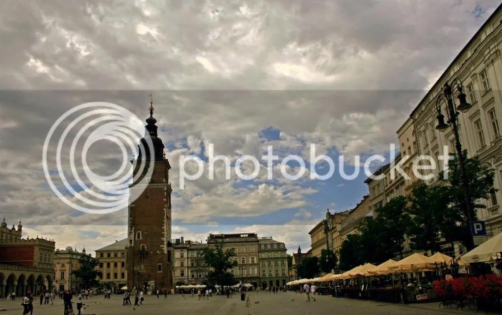 photo glowny square krakow_zpskugk1vpm.jpg