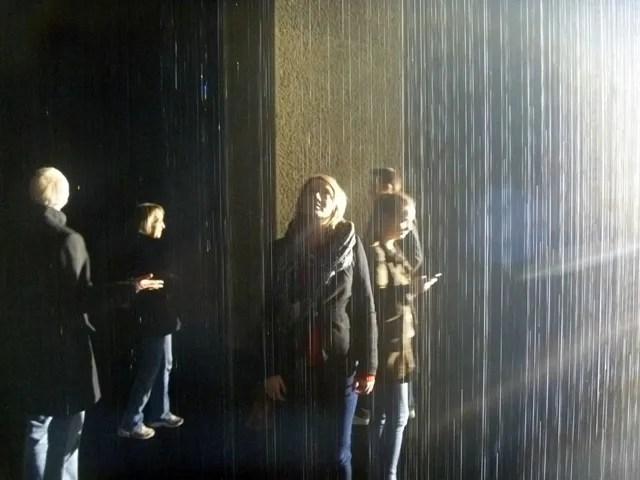 p-ho rain room