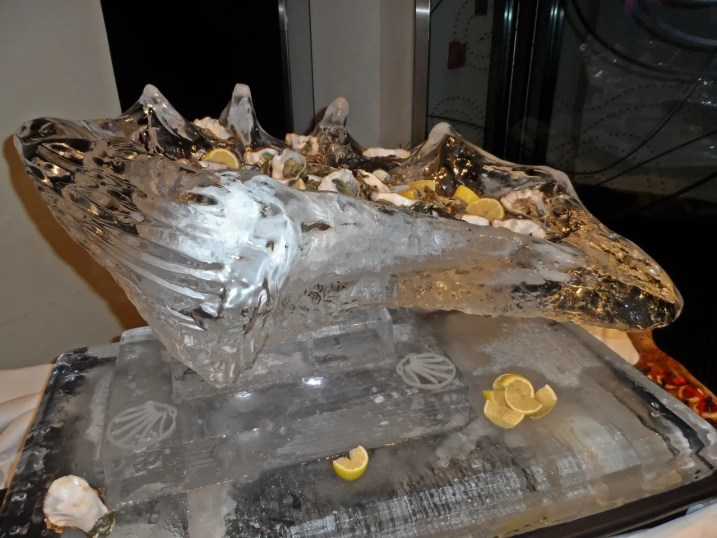 Oyster Ice Sculpture The Cumberland Hotel Momentus Bar