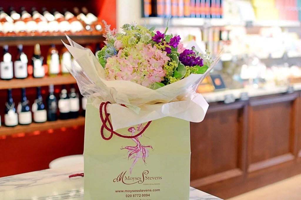 Moyses Stevens Flower Class