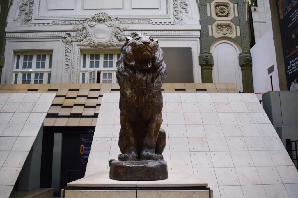 Lion statue at Musee D'Orsay Paris
