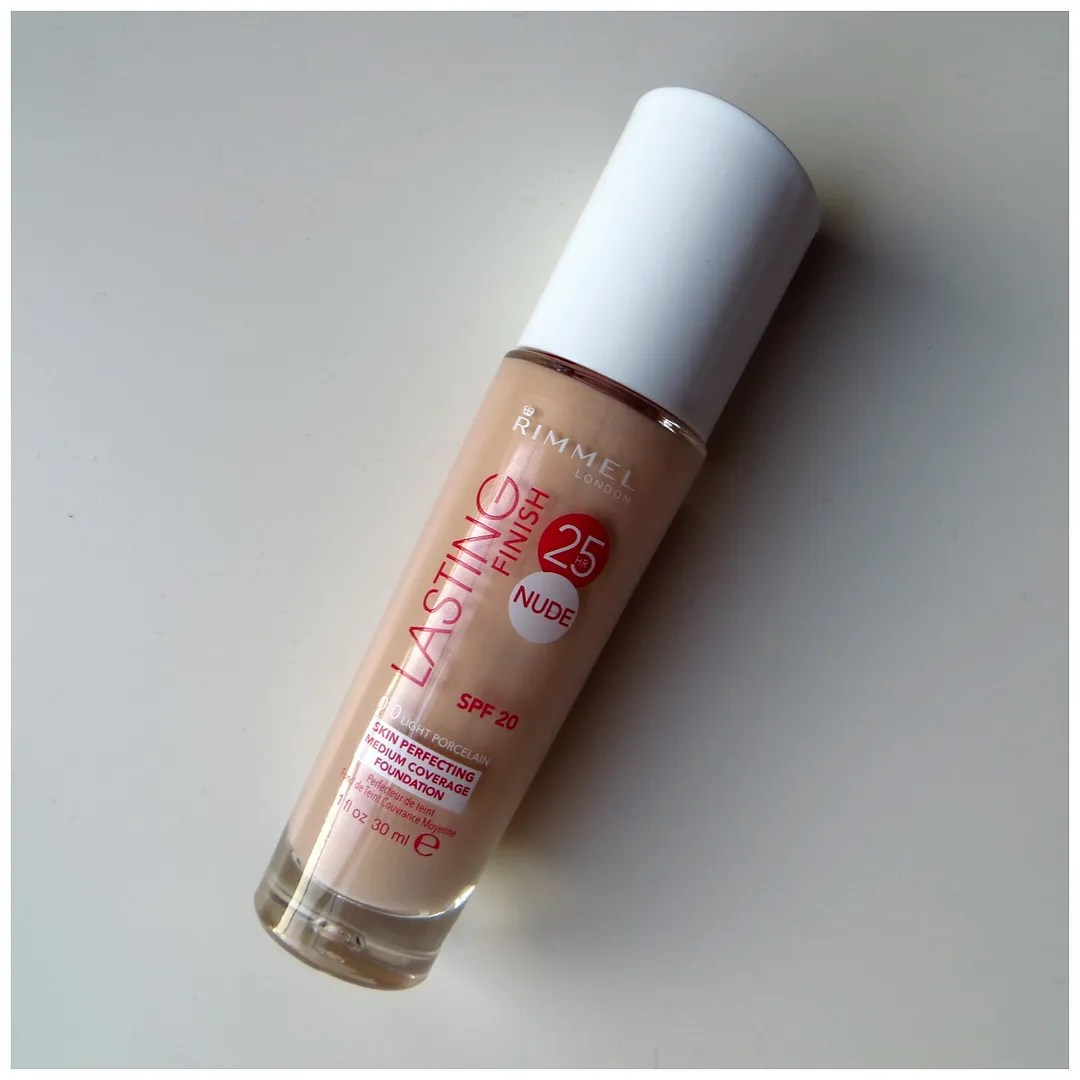 Rimmel Lasting Finish 25hr Nude Foundation Light Porcelain