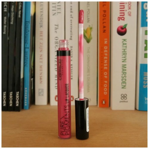 catrice lipstick pure pigments lip lacquer review swatch rosie's peony lavender pop deep sea navy