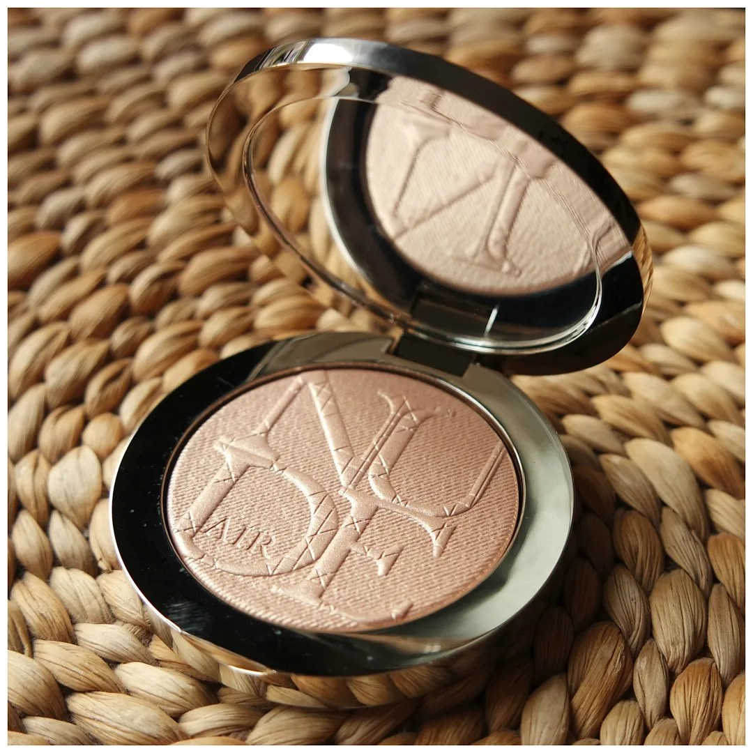Dior DiorSkin Nude Air Luminizer Shimmering Sculpting Powder 001